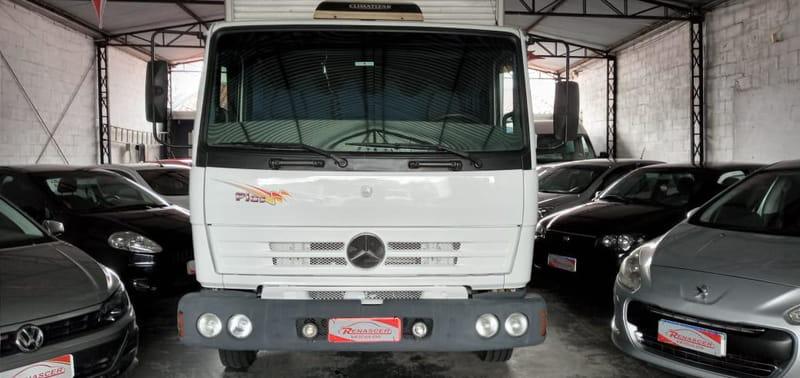 MERCEDES-BENZ 712 4X2 2P