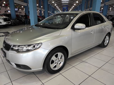 KIA CERATO SEDAN EX-MT 1.6 16V GAS. 4P