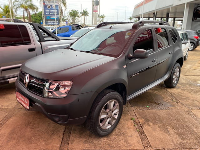 RENAULT DUSTER 16 A CVT