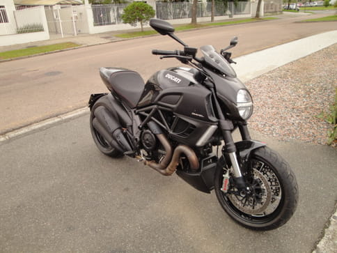 DUCATI DIAVEL 1198 BLACK
