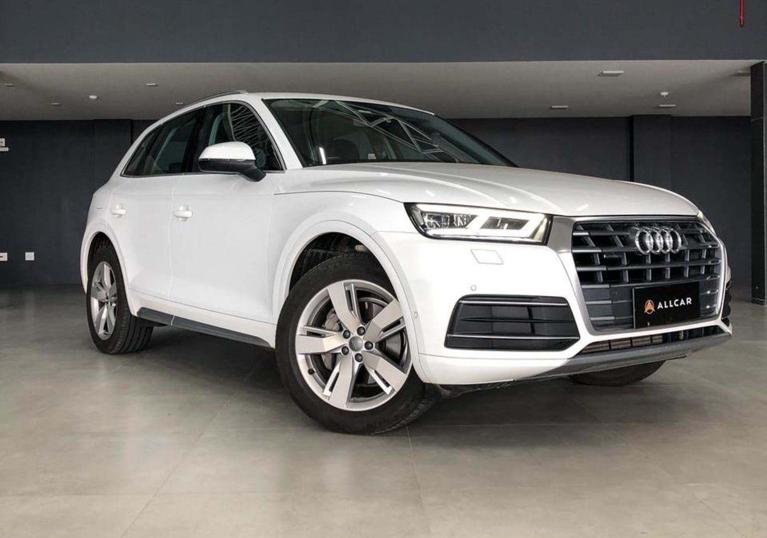 AUDI Q5 PRESTIGE PLUS 2.0 TURBO