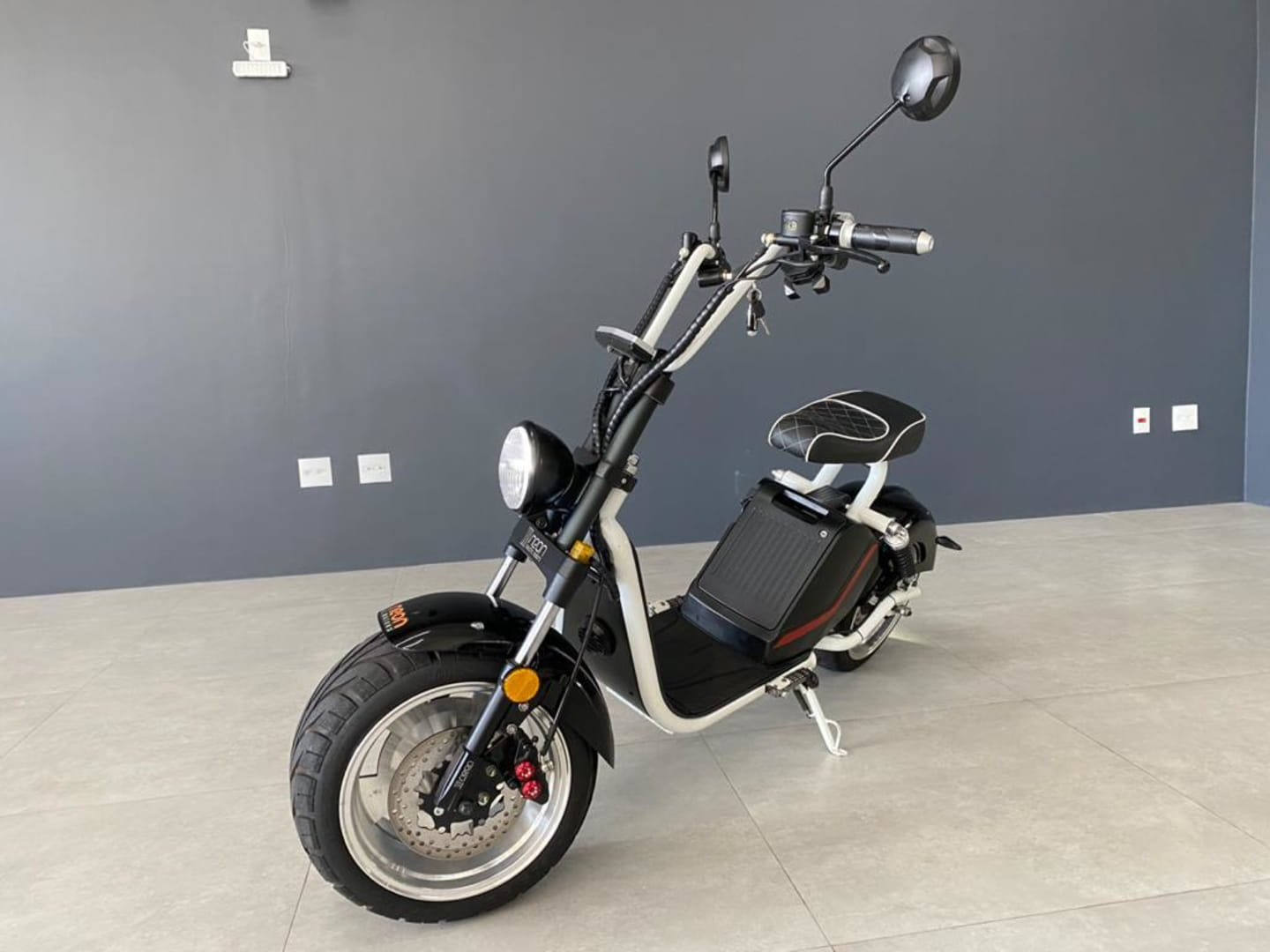 NEON SCOOTER CHUBBY 3000W