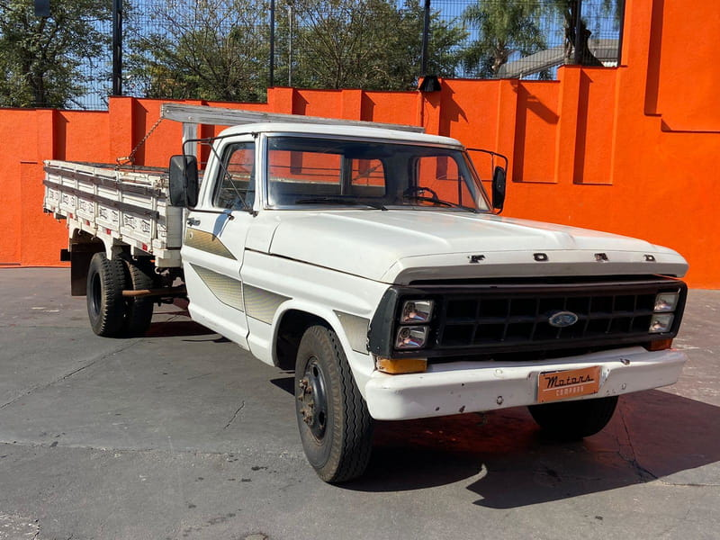 FORD F-4000 4X2 2P