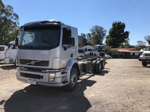 VOLVO VM 270 6X2