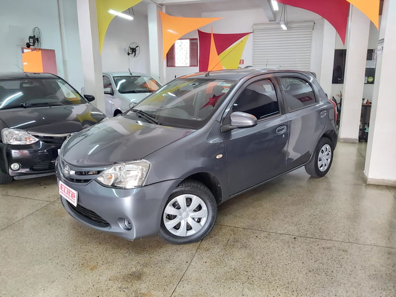 TOYOTA ETIOS HB XS 1.5 MANUAL