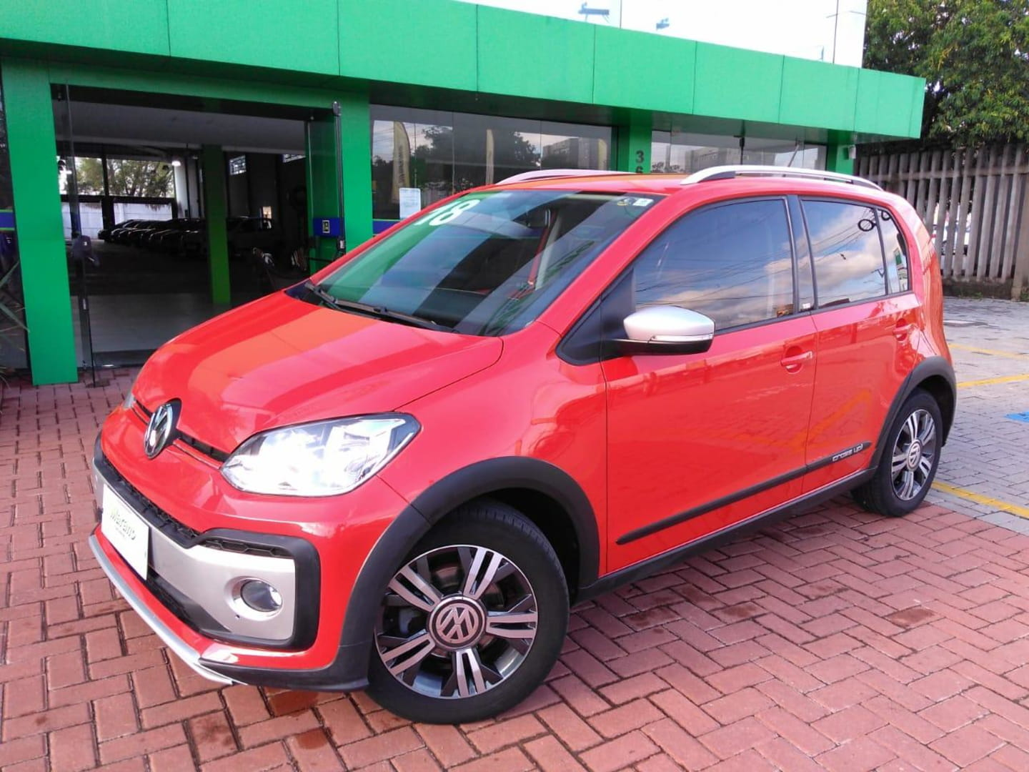 VOLKSWAGEN UP CROSS 1.0 TSI TOTAL FLEX 12V 5P