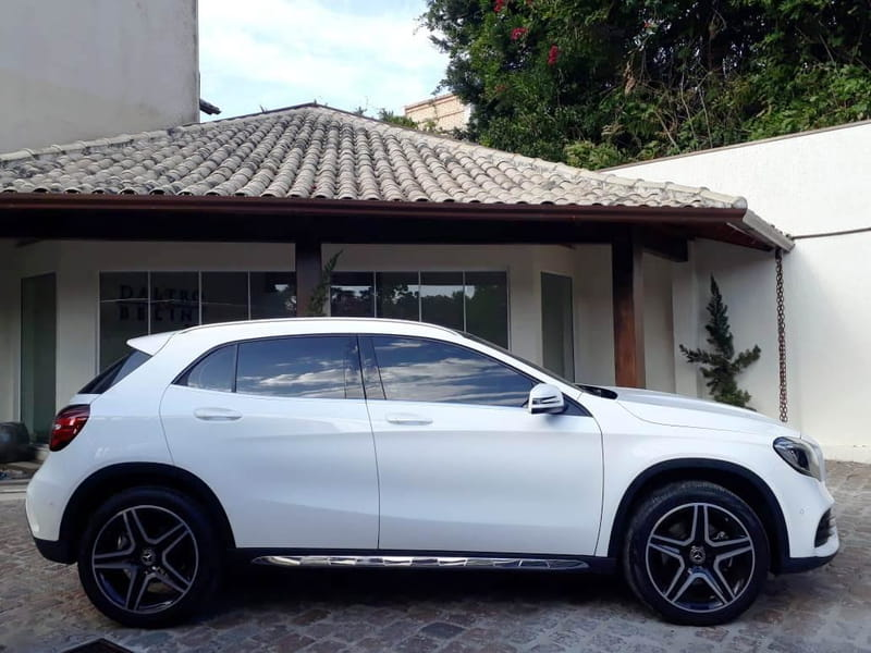 MERCEDES-BENZ GLA 250 2.0 16V TURBO SPORT 4P