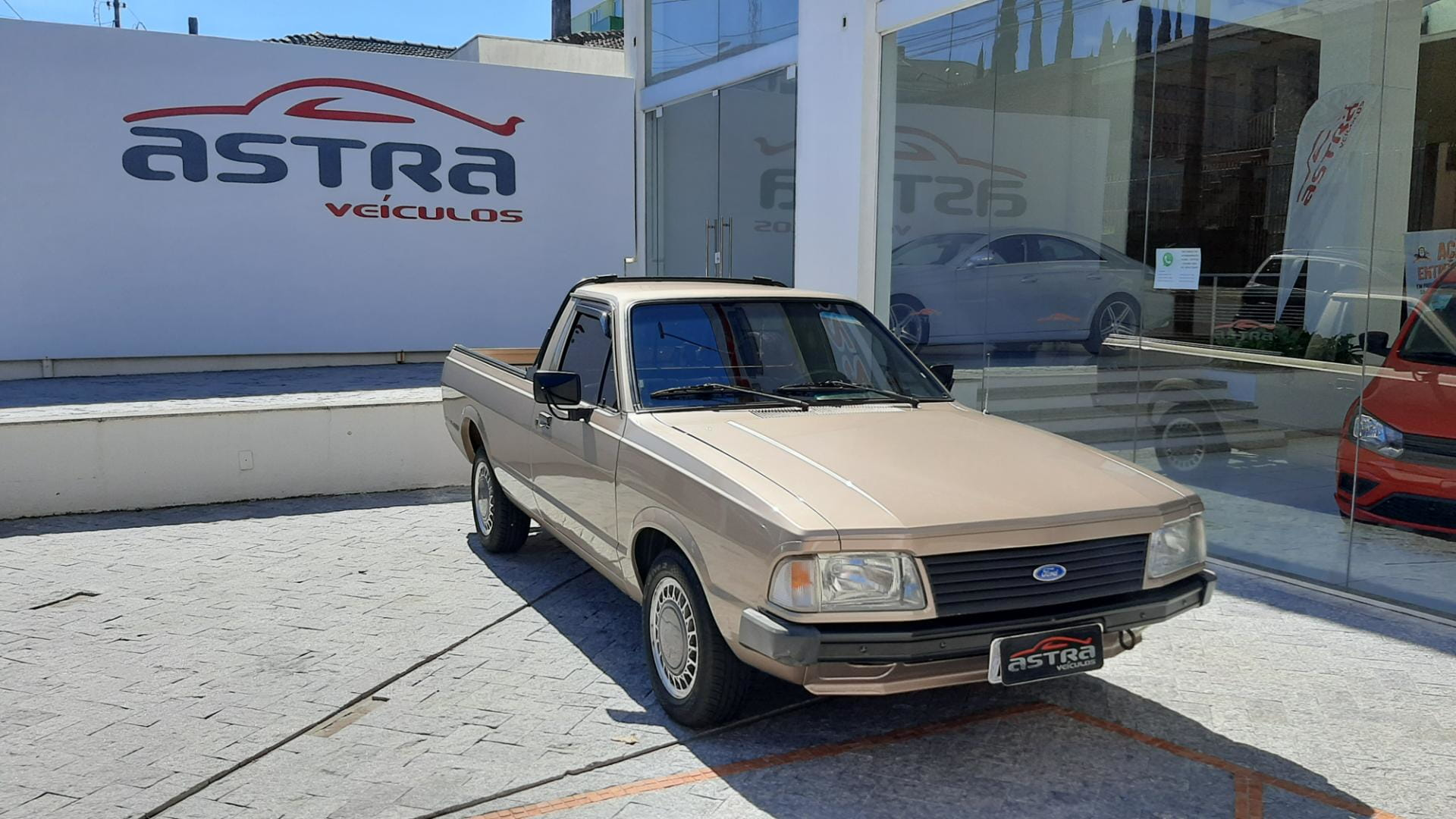 FORD PAMPA L 1.8 2P